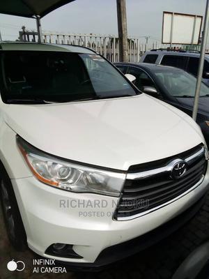 Toyota Highlander 2015 White   Cars for sale in Lagos State, Ojodu
