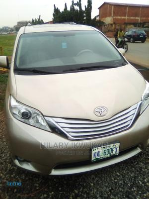 Toyota Sienna 2014 Gold | Cars for sale in Abuja (FCT) State, Gudu