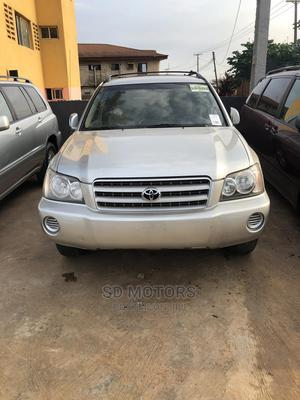 Toyota Highlander 2004 V6 AWD Silver | Cars for sale in Ogun State, Ijebu Ode