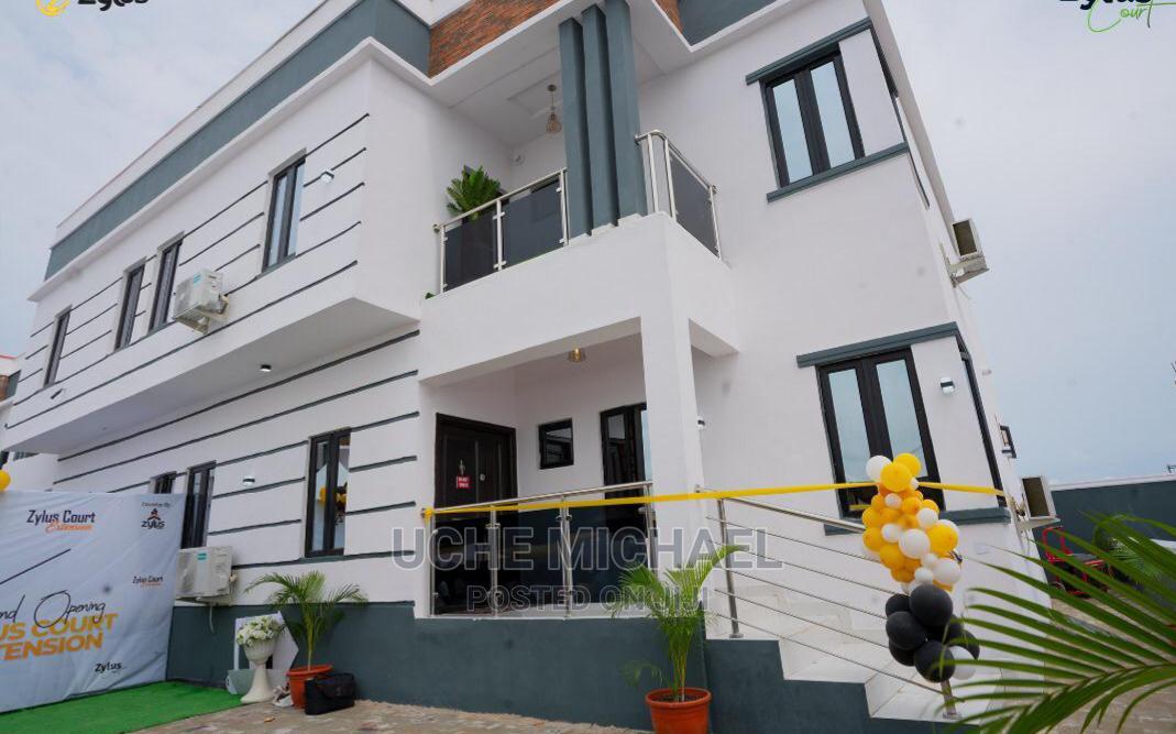 3bdrm Duplex in an Estate, Lekki Phase 2 for Sale
