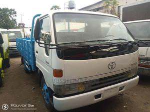 Toyota Dyna 300 6 Tons Blu.   Trucks & Trailers for sale in Lagos State, Apapa