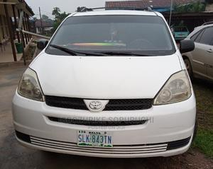 Toyota Sienna 2004 LE FWD (3.3L V6 5A) White | Cars for sale in Delta State, Oshimili South