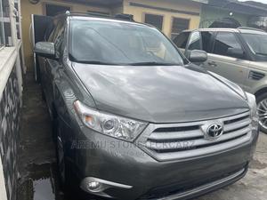 Toyota Highlander 2013 SE 3.5L 4WD Green | Cars for sale in Lagos State, Surulere