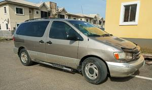 Toyota Sienna 2001 LE Gold | Cars for sale in Lagos State, Alimosho