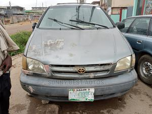Toyota Sienna 1999 LE 3dr Green | Cars for sale in Lagos State, Agboyi/Ketu