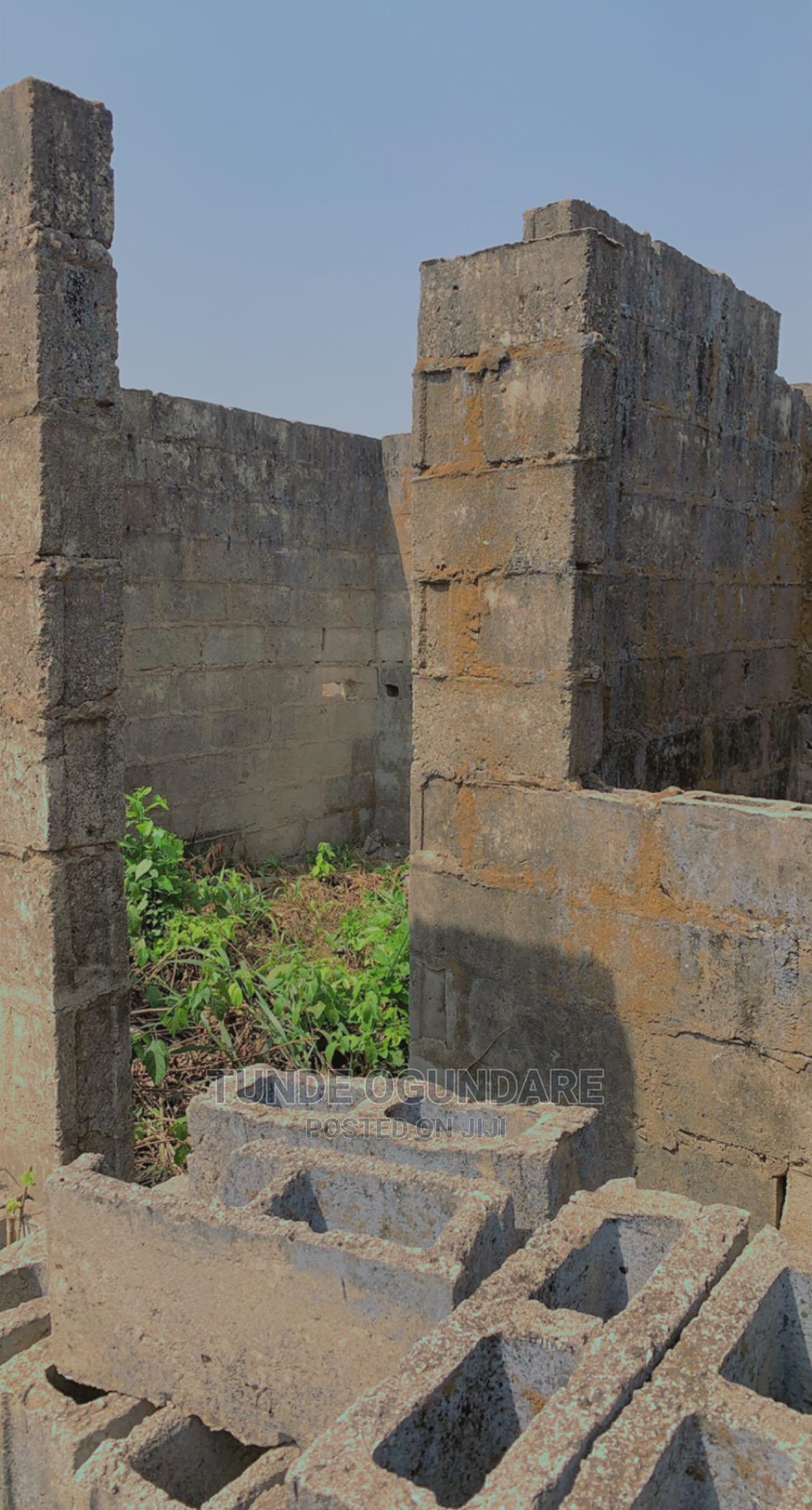 7bdrm Block of Flats in Ogijo, Ikorodu for sale