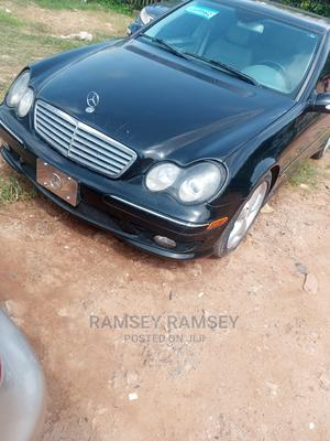 Mercedes-Benz C240 2005 Black | Cars for sale in Abuja (FCT) State, Gudu