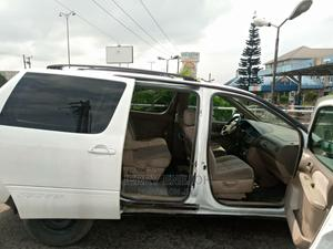 Toyota Sienna 2001 LE White   Cars for sale in Rivers State, Obio-Akpor