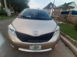 Toyota Sienna 2012 LE 7 Passenger Gold | Cars for sale in Abuja (FCT) State, Jabi