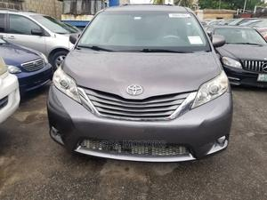 Toyota Sienna 2013 XLE FWD 8-Passenger Gray | Cars for sale in Lagos State, Amuwo-Odofin