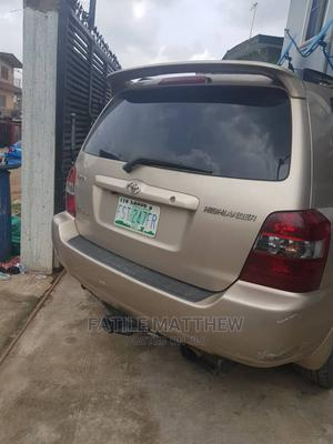 Toyota Highlander 2006 Limited V6 4x4 Gold | Cars for sale in Lagos State, Kosofe