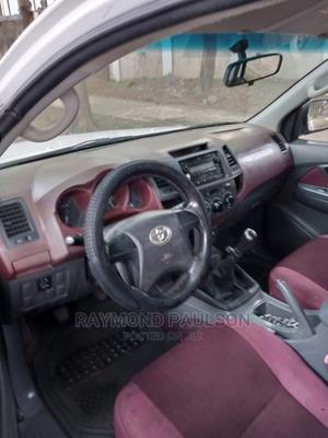 Toyota Hilux 2012 2.7 VVT-i 4X4 SRX White   Cars for sale in Abuja (FCT) State, Utako