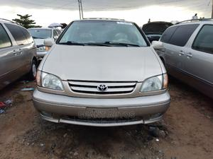 Toyota Sienna 2002 XLE Gold   Cars for sale in Lagos State, Apapa
