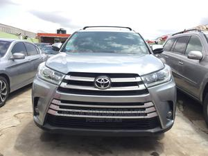 Toyota Highlander 2016 XLE V6 4x4 (3.5L 6cyl 6A) Silver | Cars for sale in Lagos State, Agege