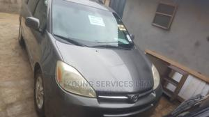 Toyota Sienna 2005 XLE Limited AWD Gray | Cars for sale in Lagos State, Isolo