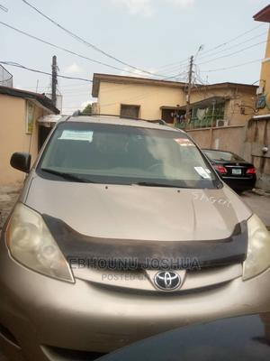 Toyota Sienna 2006 CE FWD Gold | Cars for sale in Lagos State, Yaba