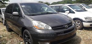 Toyota Sienna 2004 LE AWD (3.3L V6 5A) Gray   Cars for sale in Abuja (FCT) State, Jabi