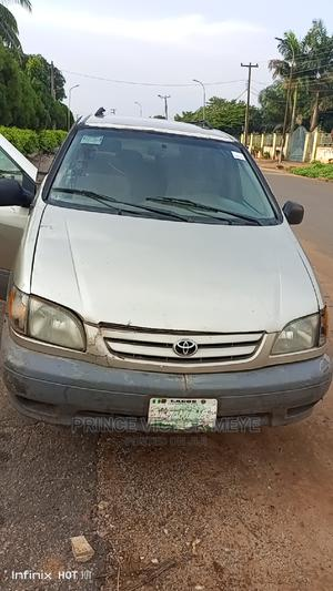 Toyota Sienna 2002 XLE Gold | Cars for sale in Delta State, Oshimili North