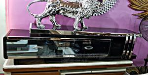 Classic and Elegant Adjustable Glass Tv Stand   Furniture for sale in Lagos State, Lekki
