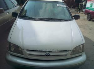 Toyota Sienna 2002 XLE White   Cars for sale in Oyo State, Ibadan