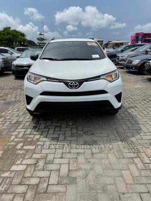 Toyota RAV4 2016 LE AWD (2.5L 4cyl 6A) White | Cars for sale in Lagos State, Lekki