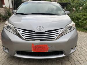 Toyota Sienna 2012 Limited 7 Passenger Silver   Cars for sale in Abuja (FCT) State, Asokoro