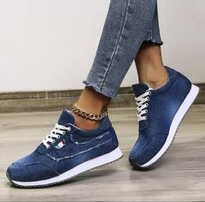 Unisex Sneakers | Shoes for sale in Lagos State, Surulere