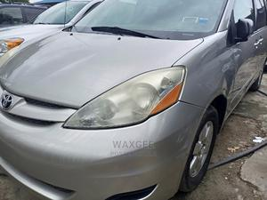 Toyota Sienna 2010 Silver | Cars for sale in Lagos State, Surulere