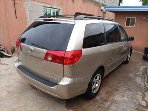 Toyota Sienna 2009 Gold | Cars for sale in Lagos State, Abule Egba