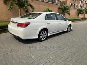 Toyota Avalon 2012 White   Cars for sale in Lagos State, Ogba