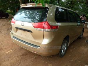 Toyota Sienna 2012 XLE 7 Passenger Gold | Cars for sale in Abuja (FCT) State, Jabi