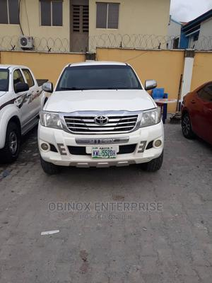Toyota Hilux 2012 2.5 D-4d SRX White | Cars for sale in Abuja (FCT) State, Gudu