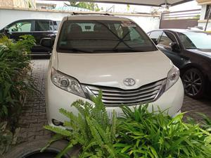 Toyota Sienna 2018 XLE (3.5L 6cyl 8A) White | Cars for sale in Lagos State, Lekki