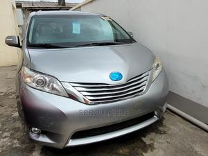 Toyota Sienna 2011 Silver | Cars for sale in Lagos State, Surulere
