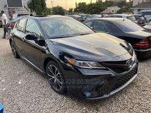 Toyota Camry 2018 SE FWD (2.5L 4cyl 8AM) Black | Cars for sale in Abuja (FCT) State, Wuse 2