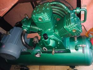 10hp Kaiser Air Compressor 30bar 300l Tank | Vehicle Parts & Accessories for sale in Lagos State, Ojo