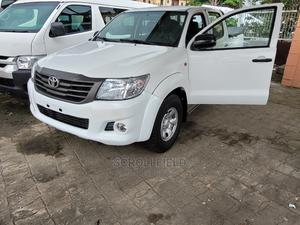 Toyota Hilux 2014 SR 4x4 White | Cars for sale in Lagos State, Surulere