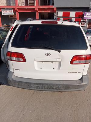 Toyota Sienna 2002 LE White   Cars for sale in Lagos State, Amuwo-Odofin