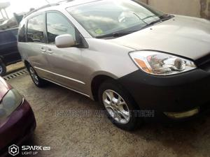 Toyota Sienna 2007 LE 4WD Silver | Cars for sale in Lagos State, Gbagada