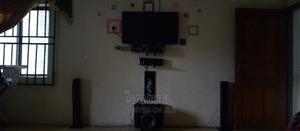 Hisense 40inches TV + Wall Bracket   TV & DVD Equipment for sale in Akwa Ibom State, Ikot Ekpene