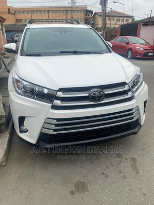 Toyota Highlander 2018 White   Cars for sale in Lagos State, Surulere