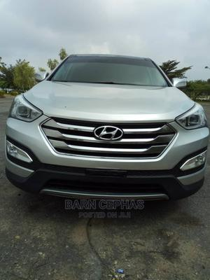 Hyundai Santa Fe 2014 Silver | Cars for sale in Abuja (FCT) State, Central Business Dis