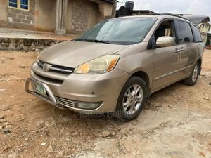 Toyota Sienna 2006 Gold | Cars for sale in Lagos State, Alimosho