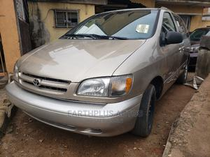 Toyota Sienna 2000 XLE & 1 Hatch Gold   Cars for sale in Lagos State, Ilupeju