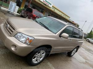 Toyota Highlander 2004 Limited V6 4x4 Gold | Cars for sale in Lagos State, Agege