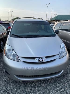 Toyota Sienna 2005 LE AWD Silver | Cars for sale in Lagos State, Alimosho