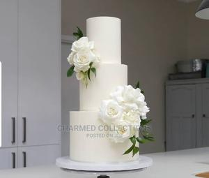 3 Tier White Wedding Cake   Party, Catering & Event Services for sale in Lagos State, Agboyi/Ketu