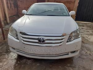 Toyota Avalon 2005 Limited White | Cars for sale in Lagos State, Ikeja
