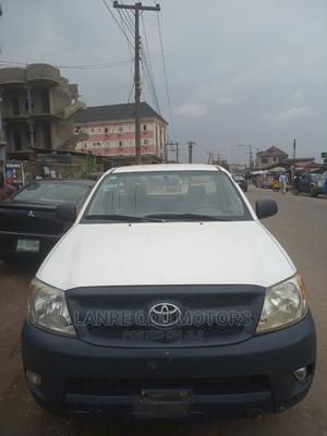 Toyota Hilux 2007 2.7 VVT-i 4x4 SRX White   Cars for sale in Lagos State, Agege