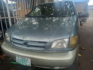 Toyota Sienna 2000 XLE & 1 Hatch Green   Cars for sale in Lagos State, Surulere